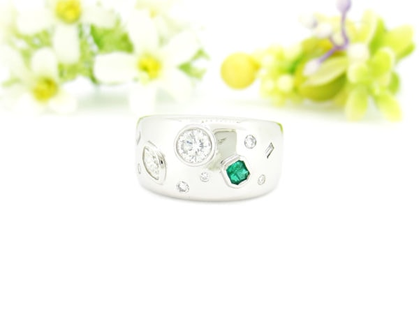 お客様事例リフォーム後、複数のジュエリーをダイヤとエメラルドの指輪へ