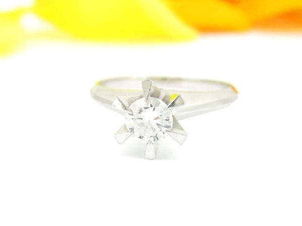 立て爪のダイヤのリングをリフォーム