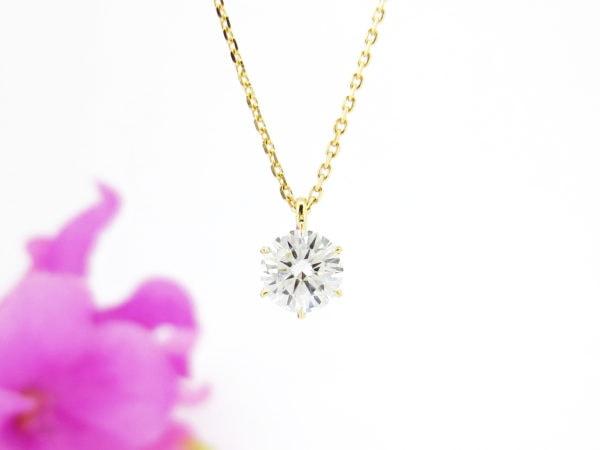 一粒ダイヤのネックレスはリフォームの人気デザイン