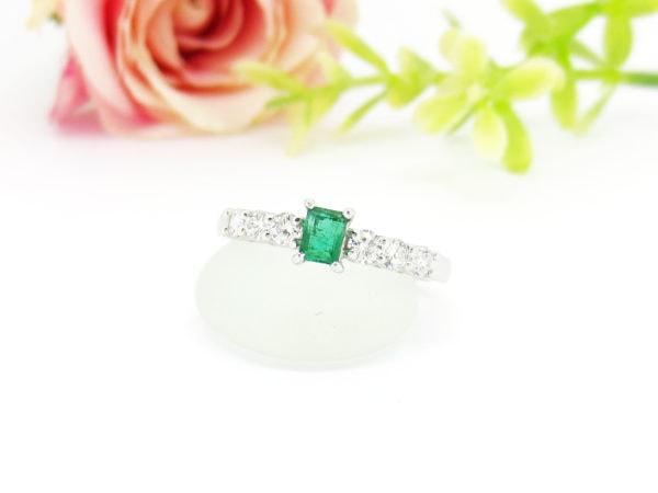 ダイヤとエメラルドの指輪、リフォーム後の画像