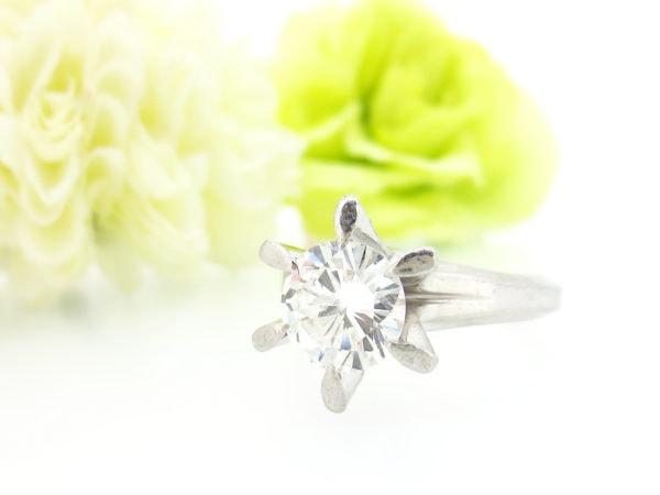 リフォーム前の大粒のダイヤモンドの指輪