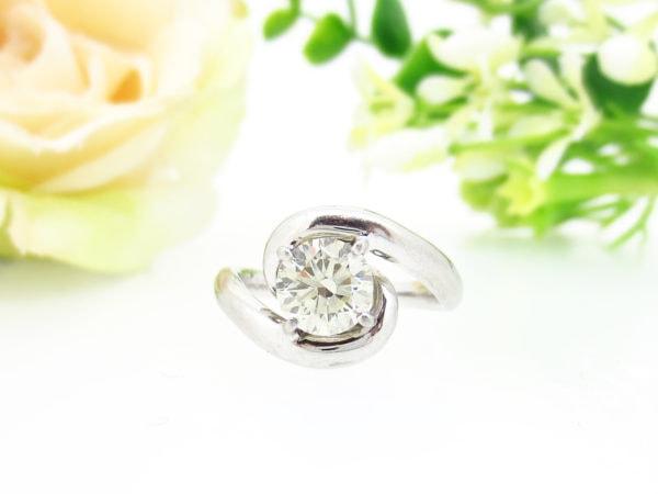 大粒のダイヤモンドの指輪をリフォーム
