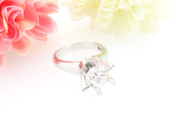シンプルな1カラットダイヤの婚約指輪をリフォーム