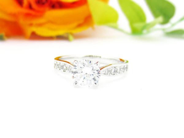 リフォームして生まれ変わった1カラットダイヤの婚約指輪