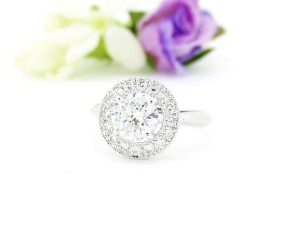 取り巻きダイヤのリングはジュエリーハナジマのリフォームでも人気デザイン
