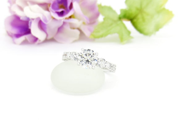 ジュエリーハナジマでリフォームした1カラットダイヤの指輪