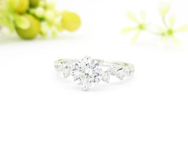 ジュエリーハナジマでリフォームした繊細なデザインの1カラットダイヤのリング