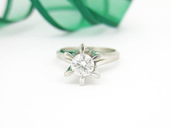 30年以上前に贈られた立て爪の婚約指輪のリフォーム