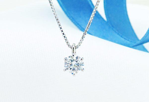 タイピンをリフォームしたダイヤのネックレス
